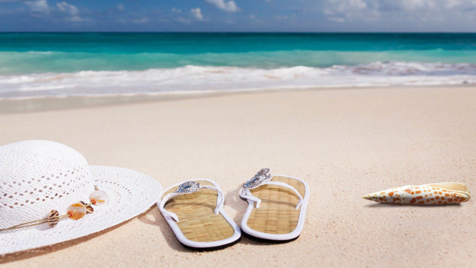 5 Benefits of Wearing Flip Flops